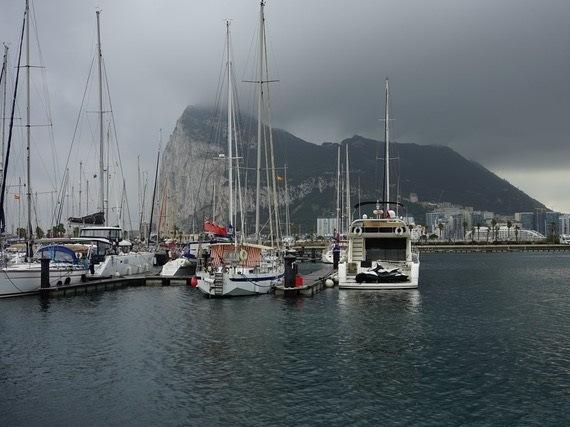 Racconti di mare: Tortilla - Storie del porto di Giampaolo Cantini - Nuvole